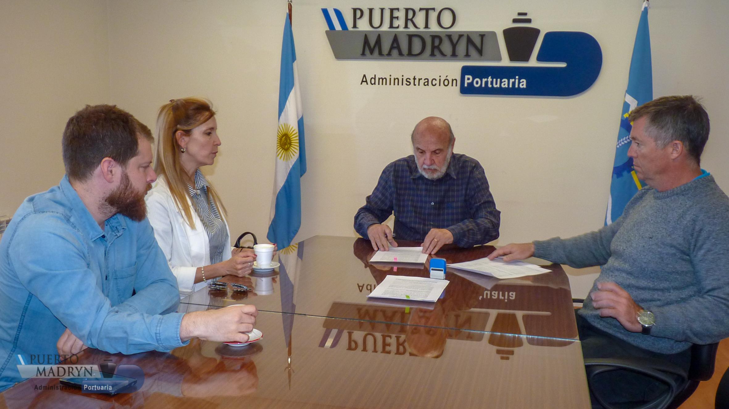 Convenio entre la Administración Portuaria de Puerto Madryn y la Universidad Nacional de la Patagonia